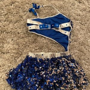 Glamour Costumes - Adorable blue and silver dance costume